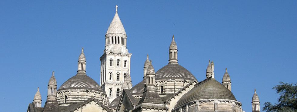 Clocher, coupoles et clochetons de la cathédrale Saint-Front